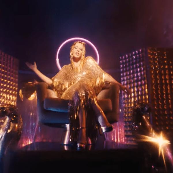 Imagem do clipe de 'Magic', de Kylie Minogue