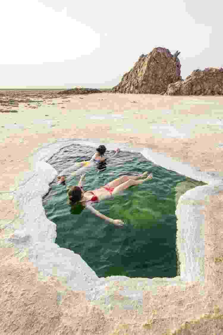 No deserto e paisagens salinas, formam-se piscinas naturais - Getty Images - Getty Images