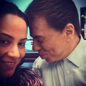 """A diretora Silvia Abravanel mostra chamego com o pai """"e patrão"""", Silvio Santos: """"Conto sempre com a ajuda desse homem"""""""