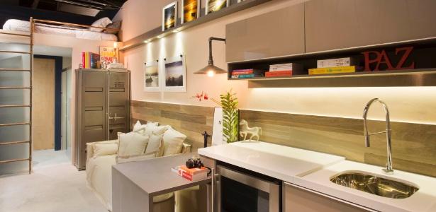 Camila Mesquita e Paula Werneck criaram uma casa confortável em um espaço estreito  - MCA Estúdio/ Divulgação