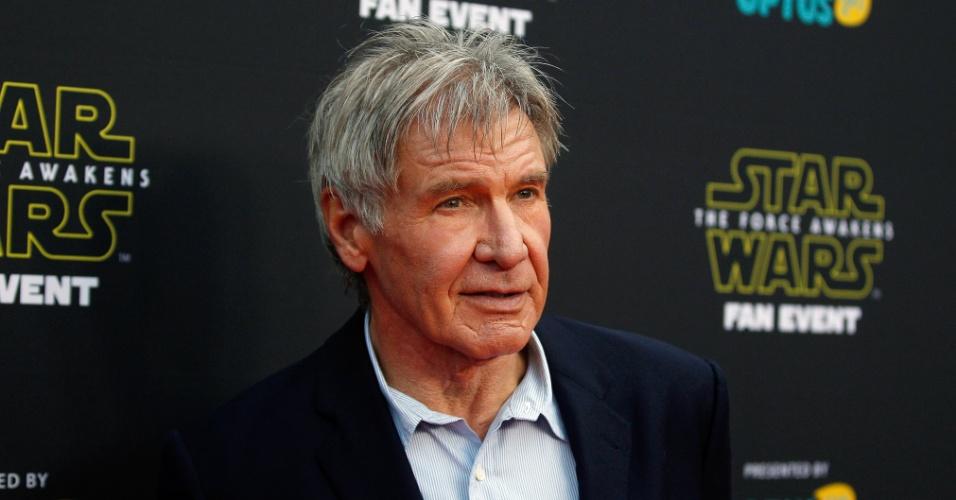 10.dez.2015 - Harrison Ford participa de evento para fãs de