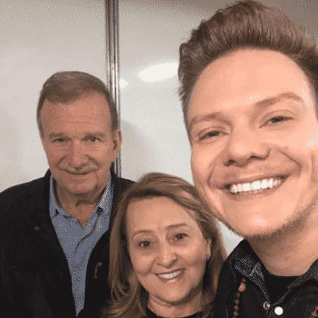 Michel Teló com os pais, Aldo e Nina - Reprodução/Instagram