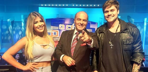 Marcelo de Carvalho com os ex-BBBs Jaqueline Grohaslki e Breno Simões