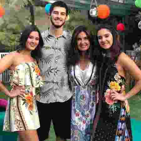 Fátima Bernardes com os filhos Laura, Vinícius e Beatriz, que comemoram 23 anos hoje - Reprodução / Instagram