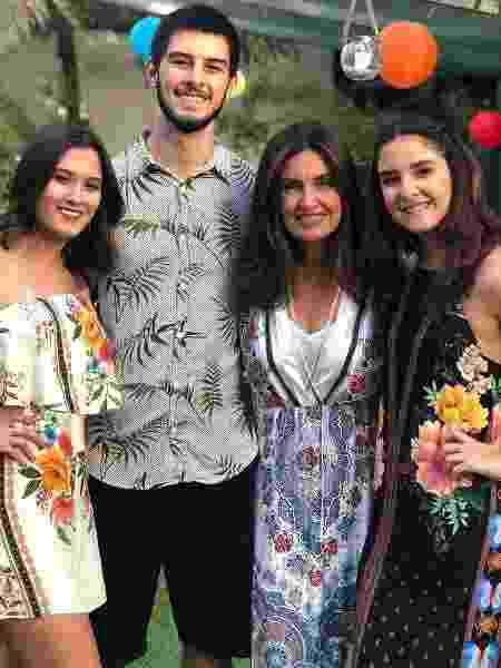Fátima Bernardes com os filhos Laura, Vinícius e Beatriz - Reprodução / Instagram