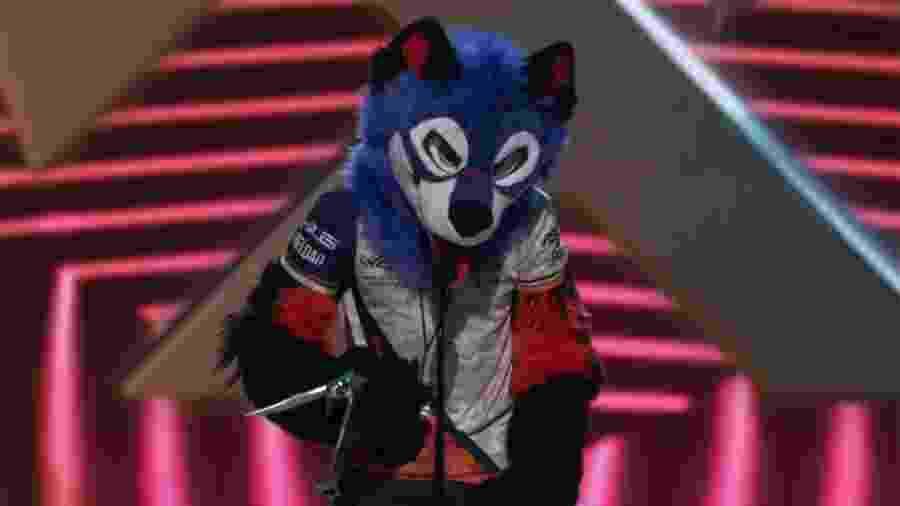 SonicFox recebe o prêmio no The Game Awards 2018 com sua tradicional fantasia - Reprodução/The Game Awards