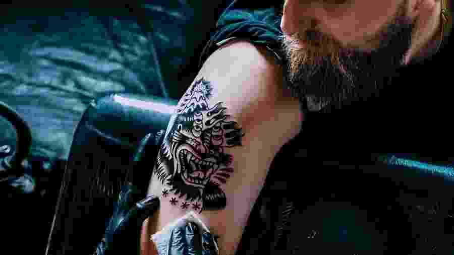No inverno, a imunidade tende a baixar e isso aumenta o risco de infecções na pele recém-tatuada - iStock