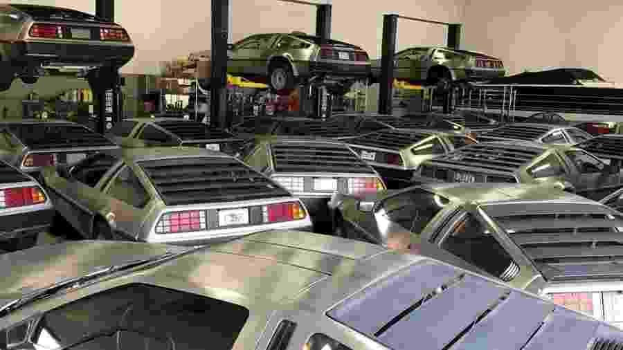 Unidades do DeLorean DMC-12 vão para garagem durante passagem do furacão Dorian - Reprodução