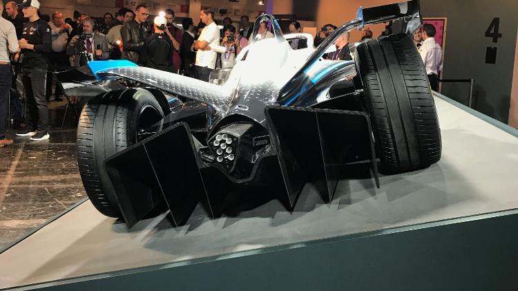 Fórmula E: Mercedes-Benz revela carro para próxima temporada, com 340 cv Amg-mercedes-formula-e-carro-temporada-2021-salao-de-frankfurt-2019-1568216829869_v2_750x421