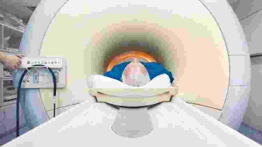 Os testes de ressonância magnética serviriam para reduzir o número de homens que precisa fazer uma biópsia - Getty Images