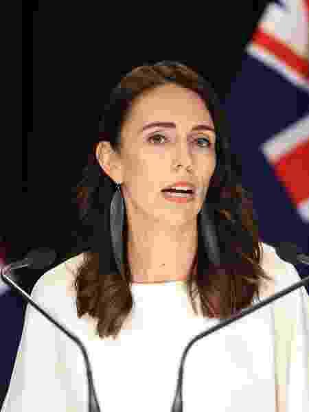 Jacinda Arden foi reeleita primeira-ministra da Nova Zelândia; no começo do mês, ela afirmou que país havia vencido o coronavírus - Getty Images