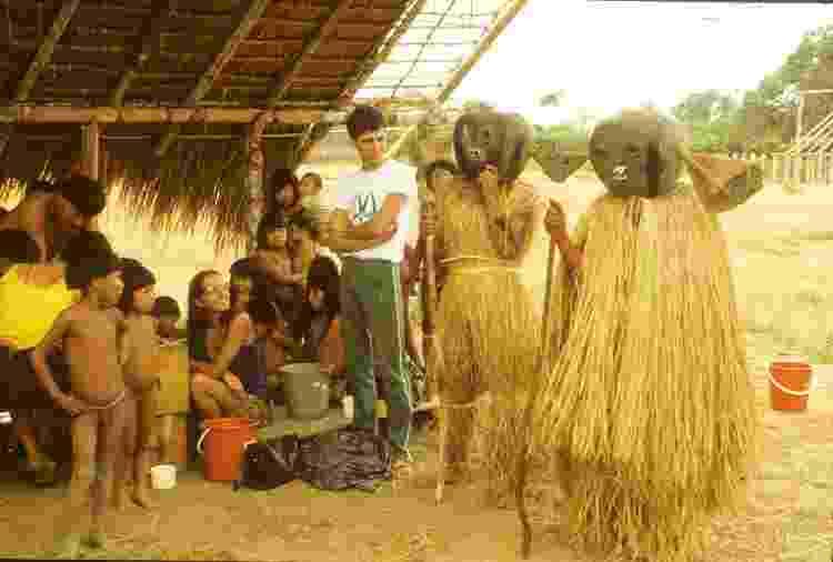 Pesquisa para investigar hipertensão arterial e doenças crônicas na aldeia do povo Wauja, 1985 - Acervo Projeto Xingu/EPM-UNIFESP - Acervo Projeto Xingu/EPM-UNIFESP