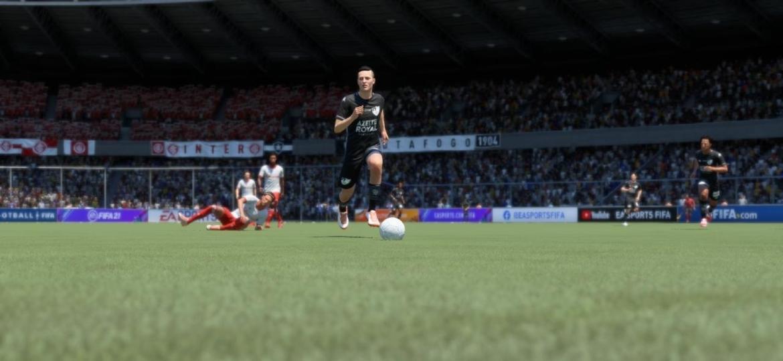 Formosandrinho, craque do Botafogo, deixa a marcação do Internacional para trás em FIFA 21 - Reprodução/START