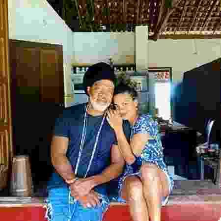 Carlinhos Brown mostrou sequência de fotos com a filha - Reprodução/Instagram @carlinhosbrown