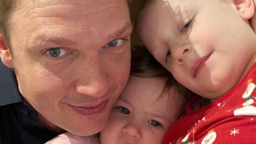 Nick Carter e os filhos, Odin e Saoirse - Reprodução/Instagram @nickcarter
