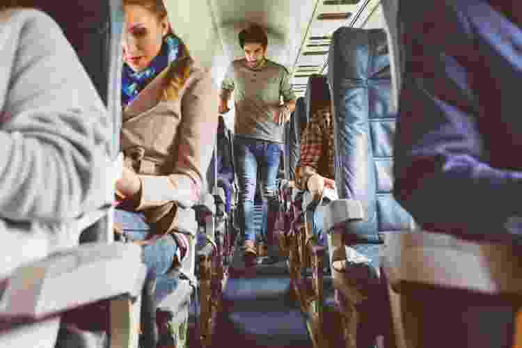 Caminhar durante viagens longas ajuda a prevenir a síndrome - Getty Images - Getty Images