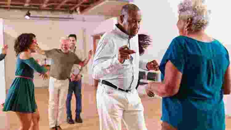 casal de idosos dançando, dança, terceira idade - iStock - iStock