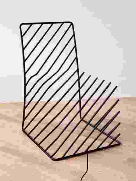 Cadeira Thin Black Lines - Divulgação - Divulgação