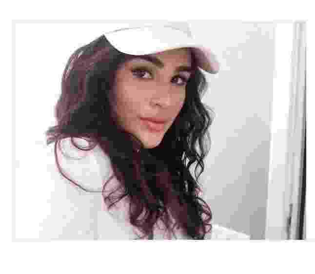 Livian Aragão é fã dos anos 1990 em seus looks do dia - Reprodução/ Instagram/ @livianaragao