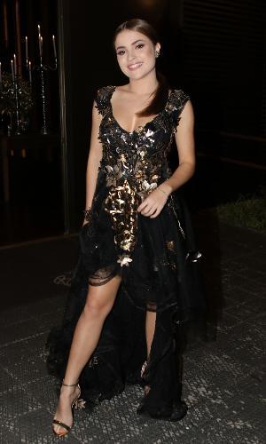 Larissa Manoela usa vestido arrasador em festa de 15 anos de ex ... 0ece23d575