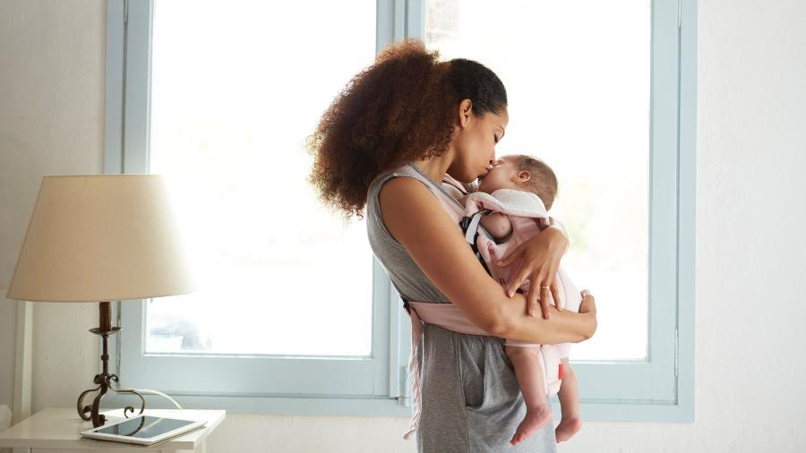 As mães não precisarão mais ir até um posto da instituição para requerer o benefício - Getty Images