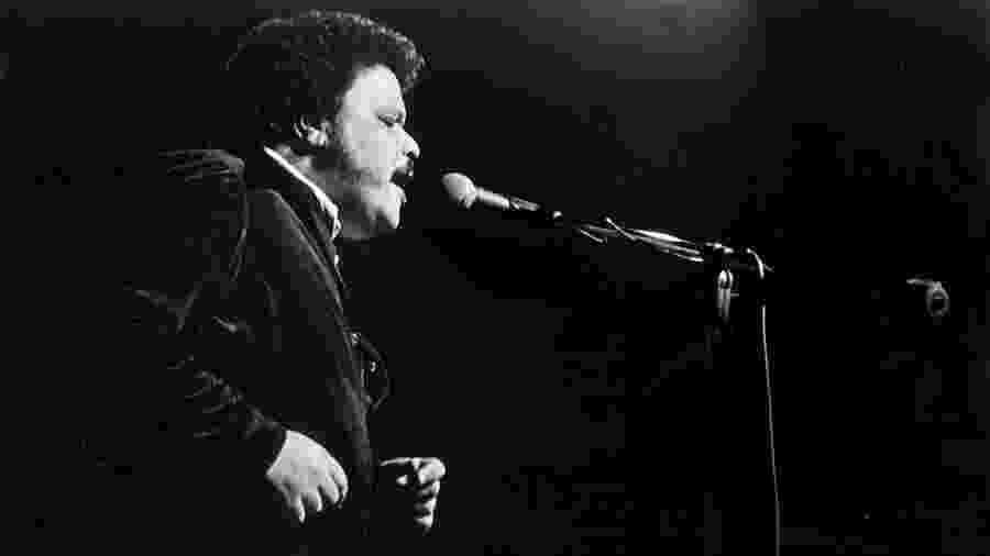 Tim Maia no show de inauguração do Teatro Bandeirantes em 1974 - Reprodução