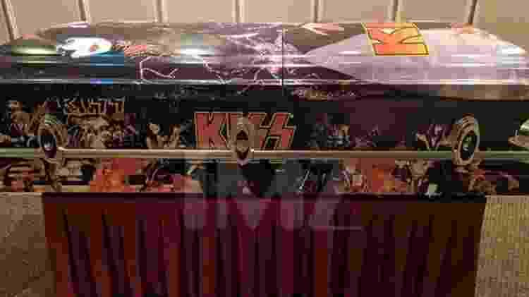 Caixão do Kiss que será usado por Vinnie Paul - Reprodução/TMZ - Reprodução/TMZ