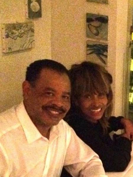 Tina Turner com seu filho Craig Raymond Turner - Reprodução/Twitter