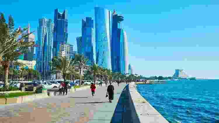 Vista da Corniche da cidade de Doha, no Catar - Vista da Corniche de Doha, no Catar
