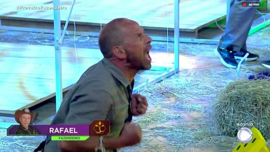 """Rafael Ilha vence a oitava prova do fazendeiro de """"A Fazenda 10"""" - Reprodução/RecordTV"""