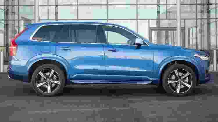 Volvo XC90 R-Design entrega visual esportivo que parece ampliar o porte  - Divulgação