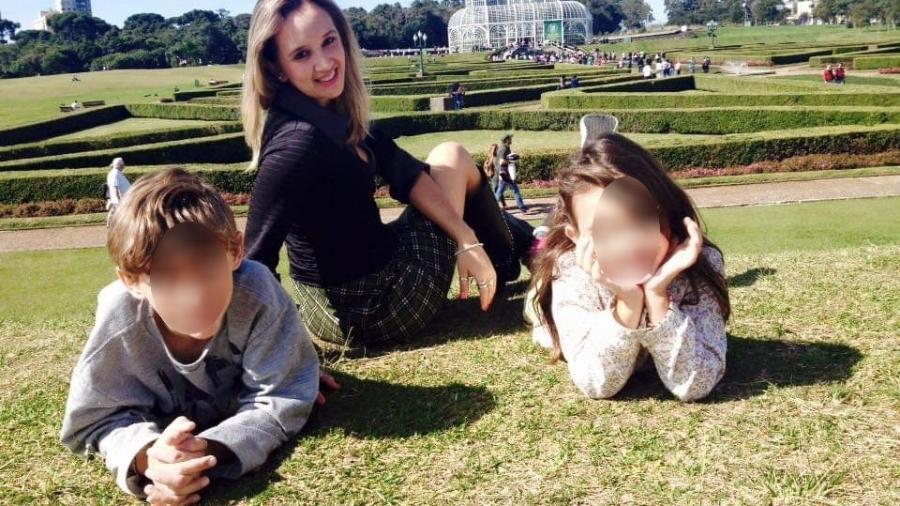 Denise Beckmann em viagem com os filhos: à espera do diagnóstico do adolescente - Arquivo pessoal