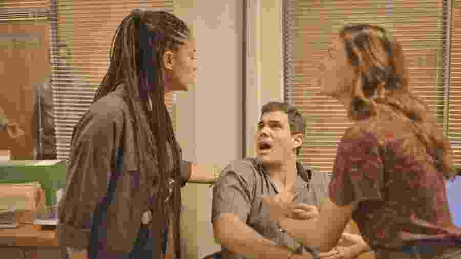 Magno (Juliano Cazarré) é preso em Amor de Mãe - DIVULGAÇÃO/REDE GLOBO
