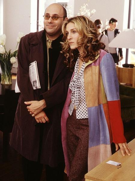 """Willie Garson e Sarah Jessica Parker como Stanford e Carrie em """"Sex and the City"""" - Reprodução"""