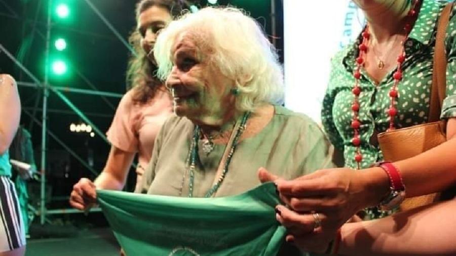 A ativista Nelly Minyersky, de 91 anos, defende a descriminalização e a legalização do aborto na Argentina - Divulgação