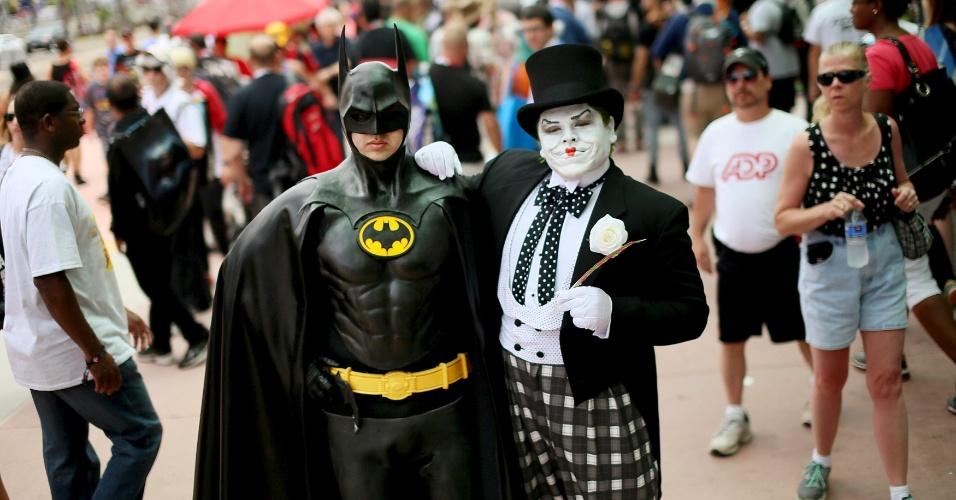 10.jul.2015 - Fãs vão para a Comic-Con vestidos como persoangens do Batman