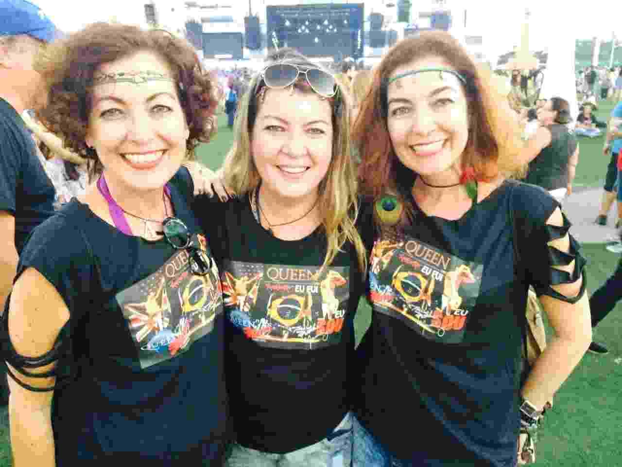 18.set.2015 - As gêmeas Adriana e Regina Schumacher com irmã mais nova Sandra (ao centro) - Tiago Dias/UOL