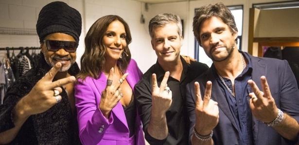 """9.dez.2015 - Técnicos do """"The Voice Kids"""" aparecem pela primeira vez juntos - Renato Rocha Miranda/TV Globo"""