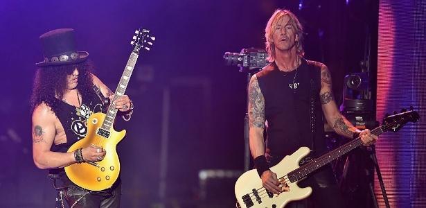 16.abr.2016 - Slash e Duff McKagan durante show do Guns no festival Coachella - Getty Images