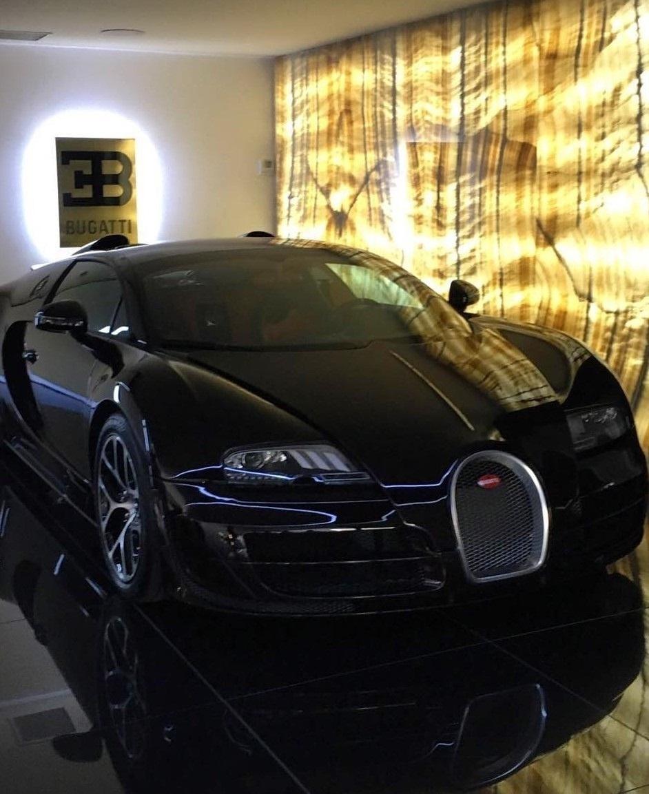 14.jul.2016 - Um Bugatti Veyron Super Sport é o mais novo