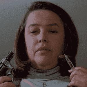 """Cena do filme """"Louca Obsessão"""" (1990) - Kathy Bates - Reprodução"""