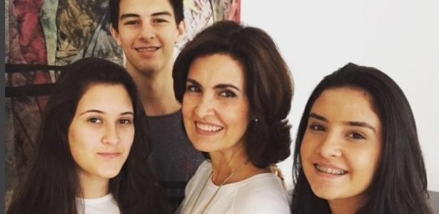 Fátima Bernardes com os filhos Beatriz, Vinícius e Laura Bonemer - Reprodução/Instagram