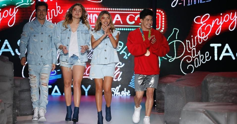Com Sasha, Di Ferrero, Arthur Nory e Carol Oliveira encerram desfile da Coca-Cola Jeans na SPFW N42