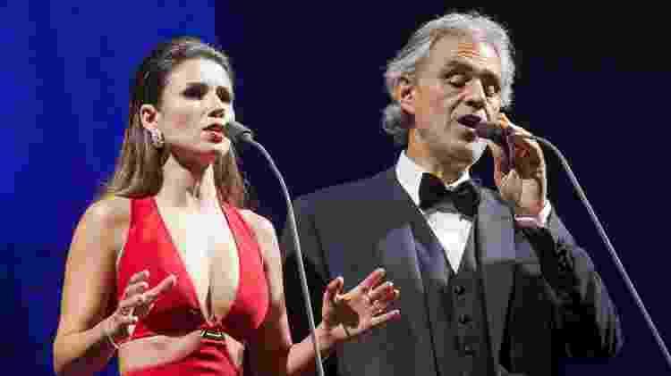 13.out.2016 - Paula Fernandes se apresenta com Andrea Bocelli em um show no Allianz Parque, em São Paulo - Ale Frata/Codigo19/Folhapres - Ale Frata/Codigo19/Folhapres
