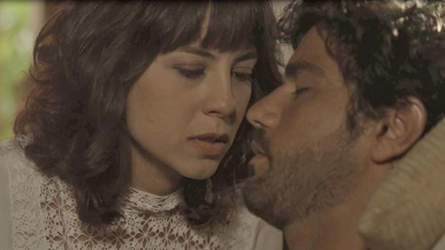 """Lucinda (Andreia Horta) e Inácio (Bruno Cabrerizo) em """"Tempo de Amar"""" - Reprodução/GShow"""