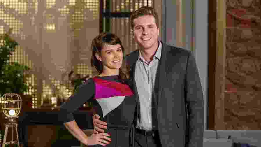 Clara (Bianca Bin) e Patrick (Thiago Fragoso) finalmente se entregam ao amor - Marilia Cabral/Globo