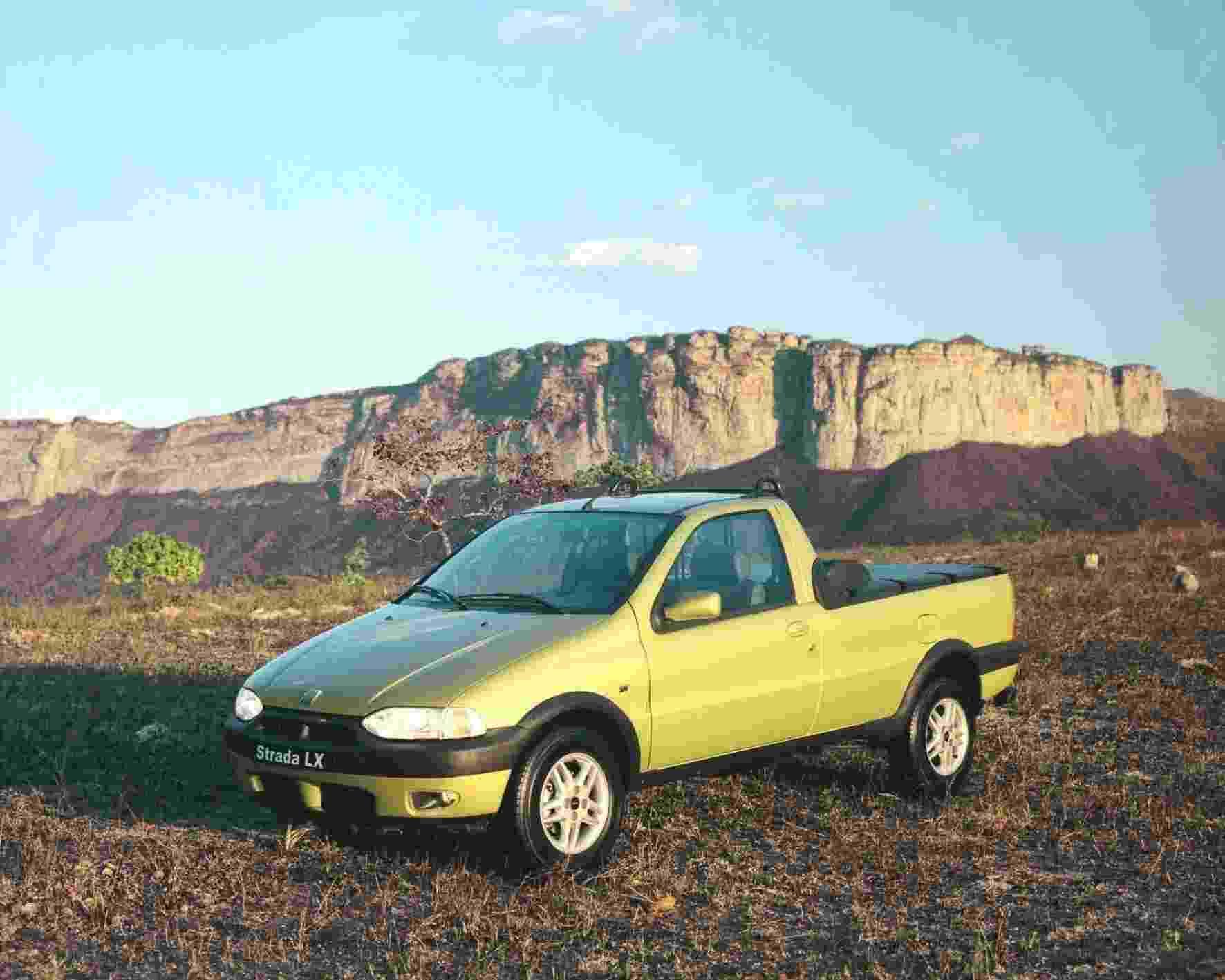 Fiat Strada LX - Divulgação