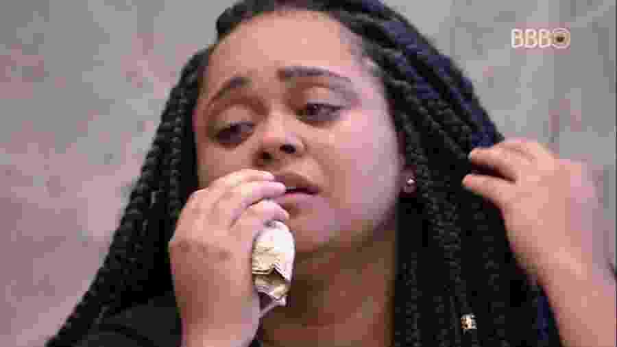 Rízia chora após desistência da prova - Reprodução/TvGlobo