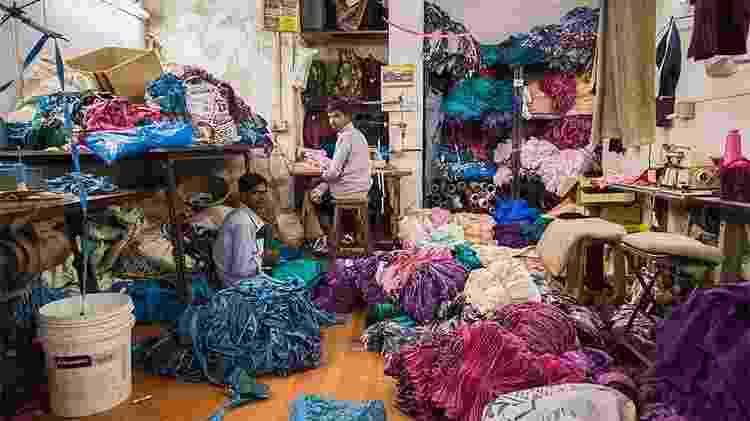 Fábrica de tecidos na favela de Dharavi, em Mumbai, na Índia - Divulgação/TripAdvisor