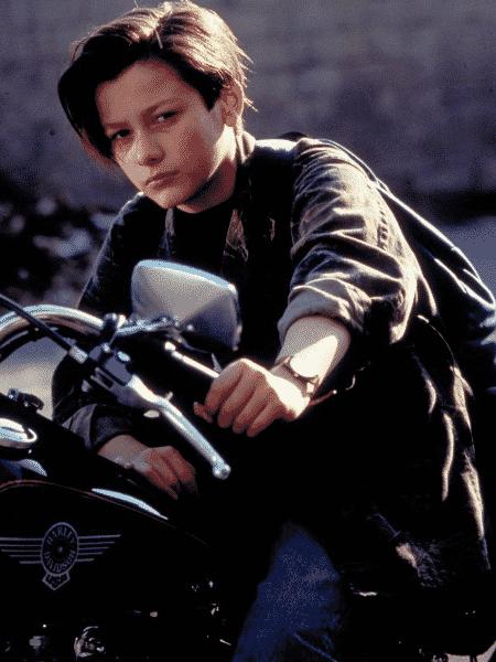 Edward Furlong como John Connor em O Exterminador do Futuro 2: O Julgamento Final - Reprodução